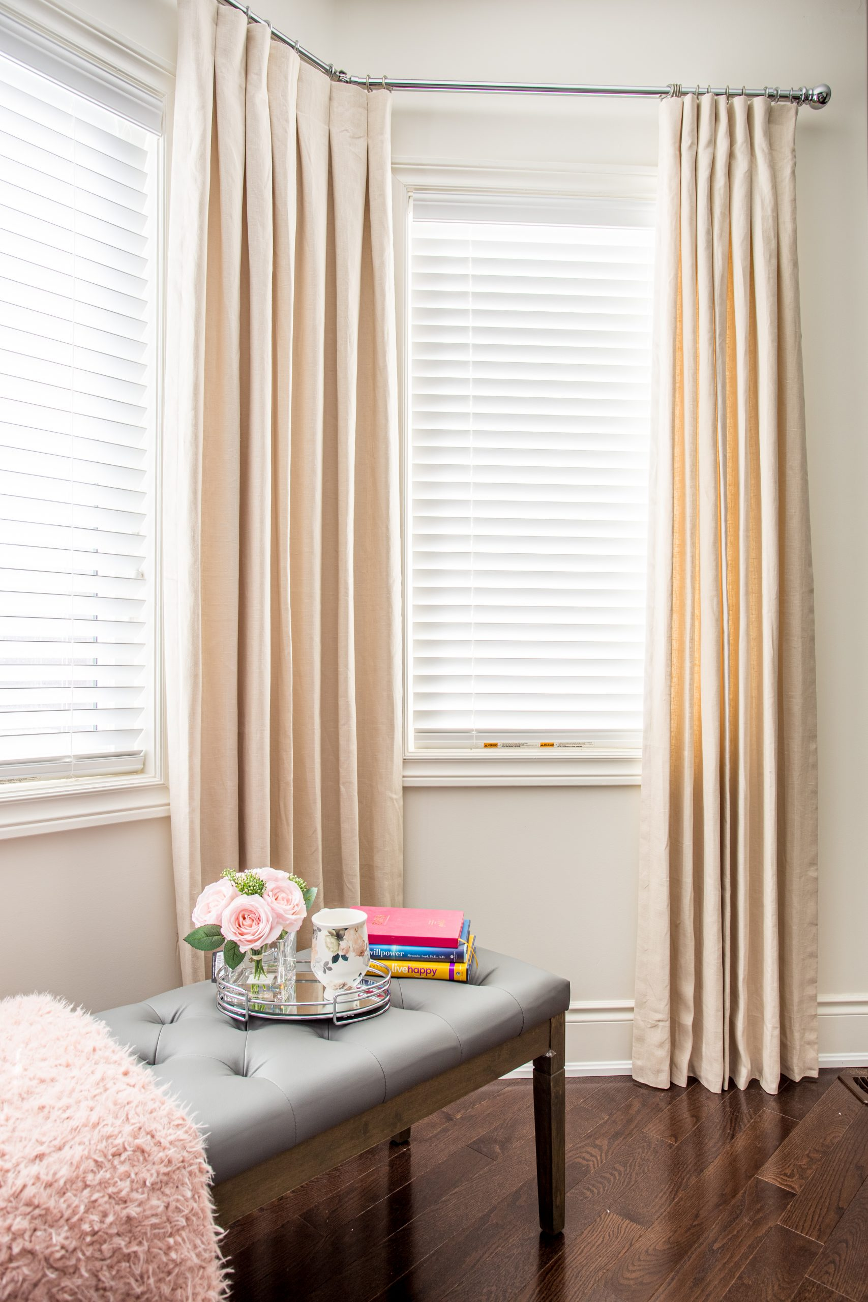 SOHO Linen drapes in natural color